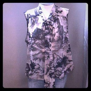 🆕 listing! Bubble hem neck tie blouse